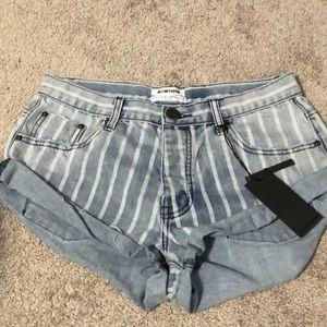 "One Teaspoon Shorts - One Teaspoon Bandit denim shorts in ""Rocky"""